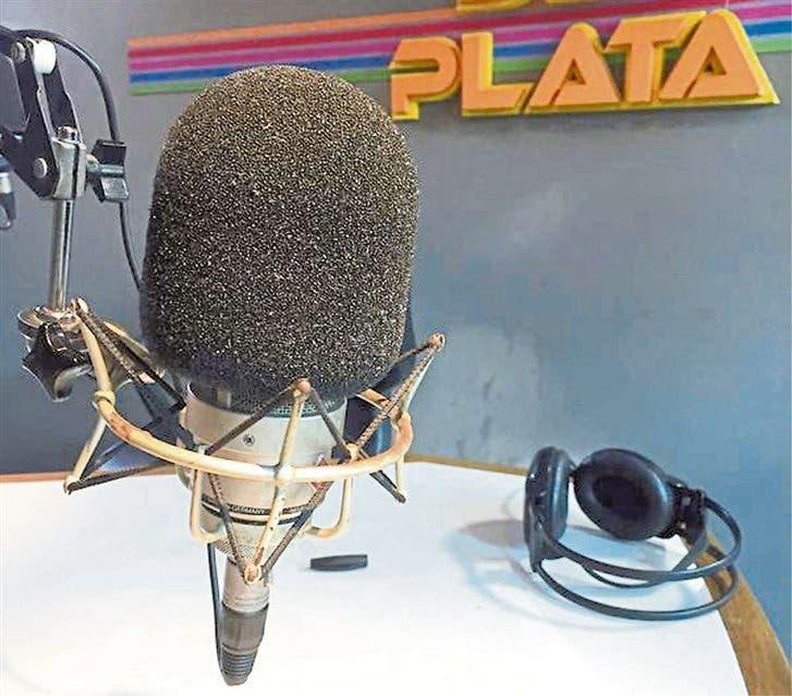Del Plata, solo con música y noticias