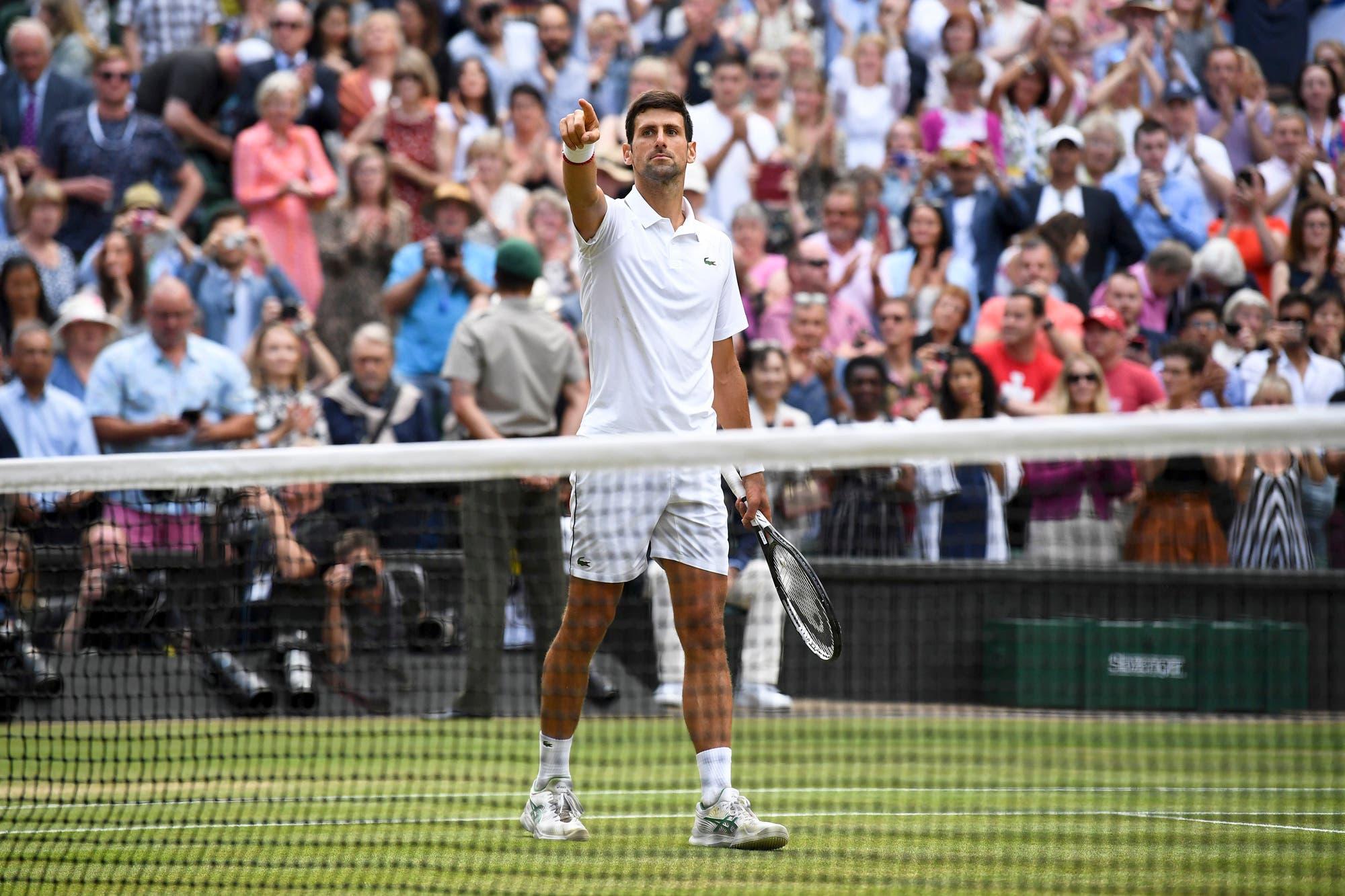 Djokovic, el inconformista que va por todo y venció a Federer en su propio jardín