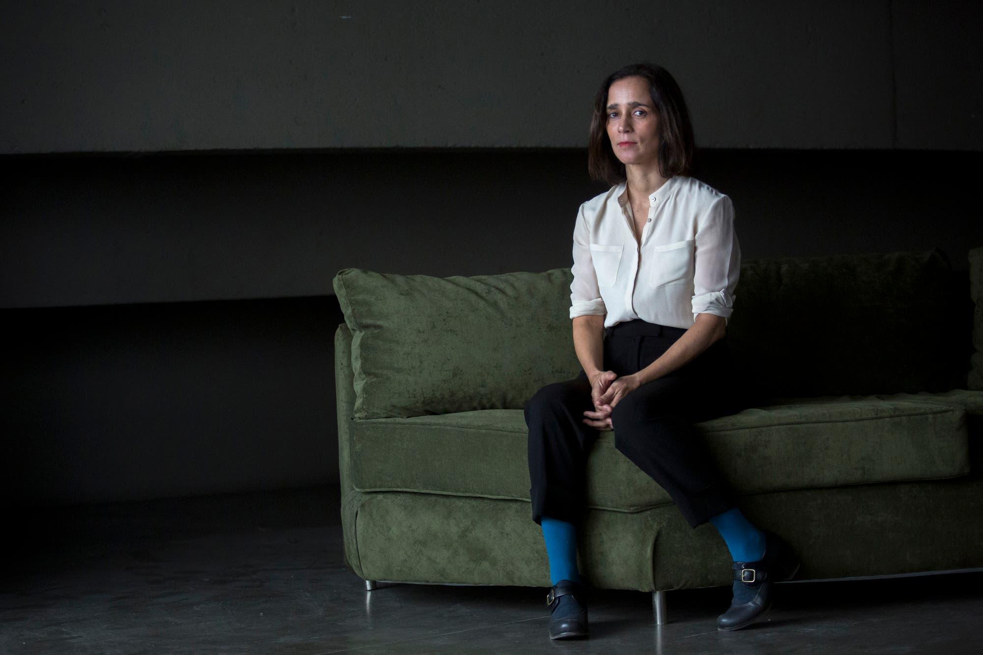 """Julieta Venegas, sobre su debut teatral: """"Ando un poco peleada con eso de las categorizaciones"""""""