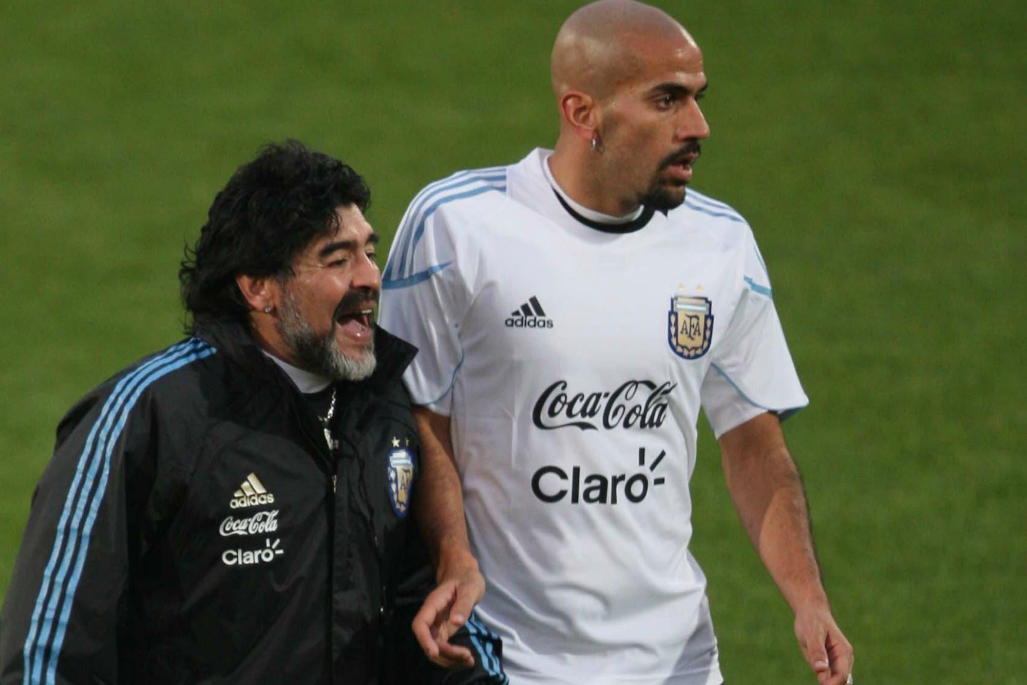 """Verón reduce la grieta: """"Me alegra que Maradona tenga la chance de dirigir en el fútbol argentino"""""""