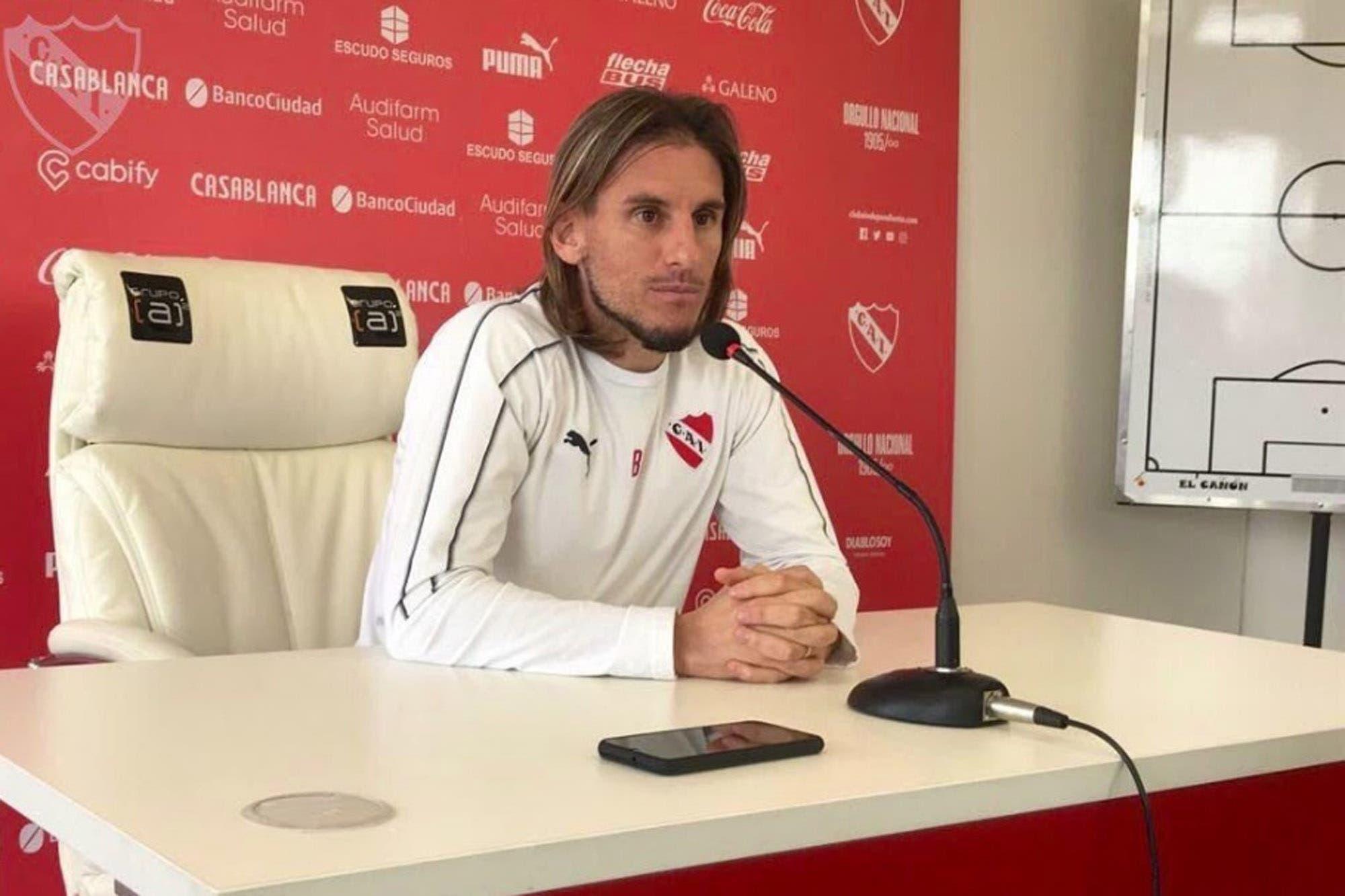 Crisis en Independiente: Beccacece confirmó la sanción para Pablo Pérez