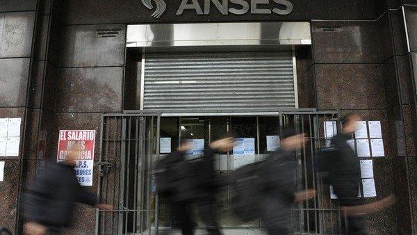 Jubilaciones: oficializaron el aumento de 8,74% y la mínima será de 14.067,93 pesos