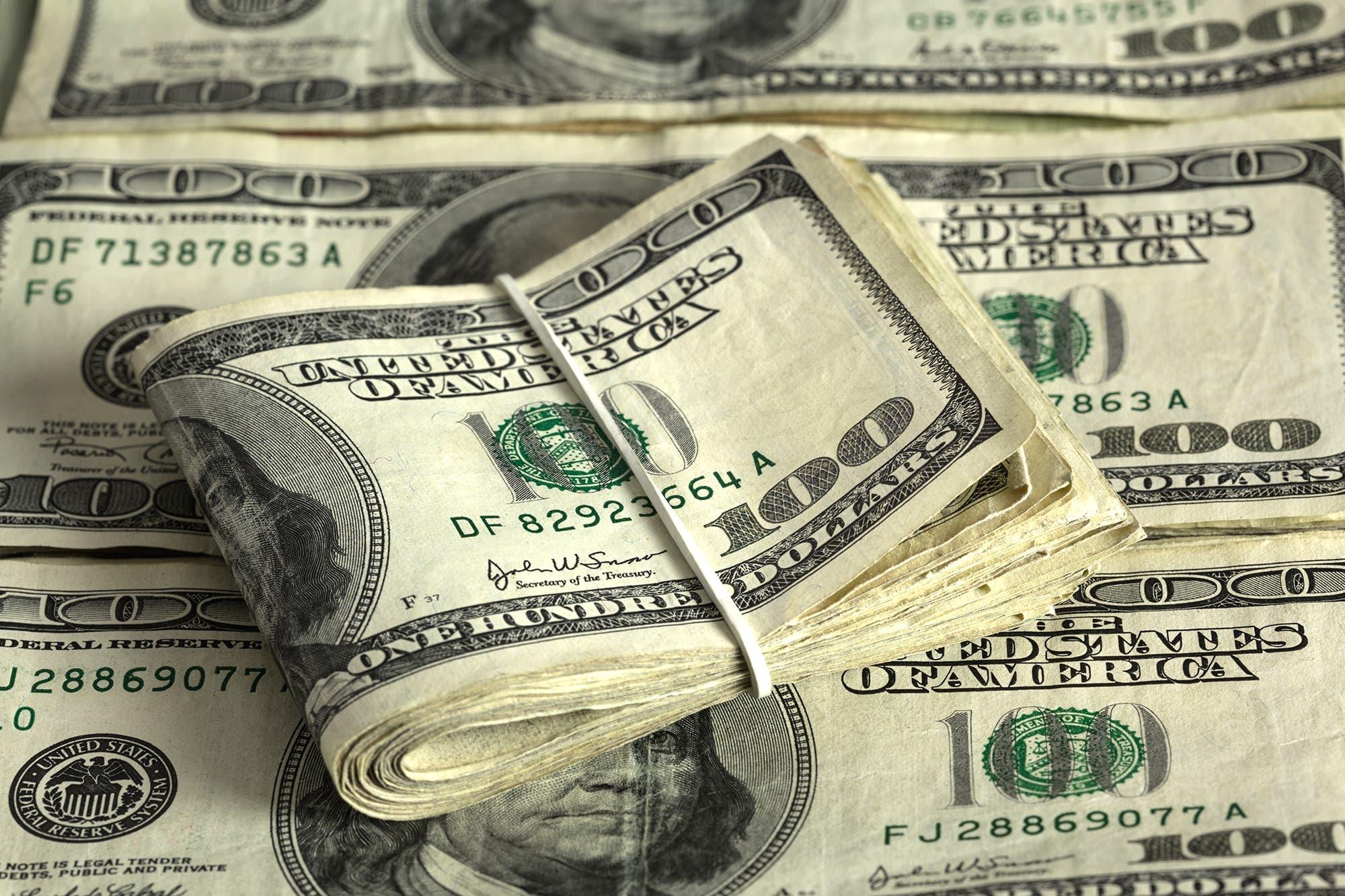 Dólar blue hoy: a cuánto abre el viernes 15 de noviembre