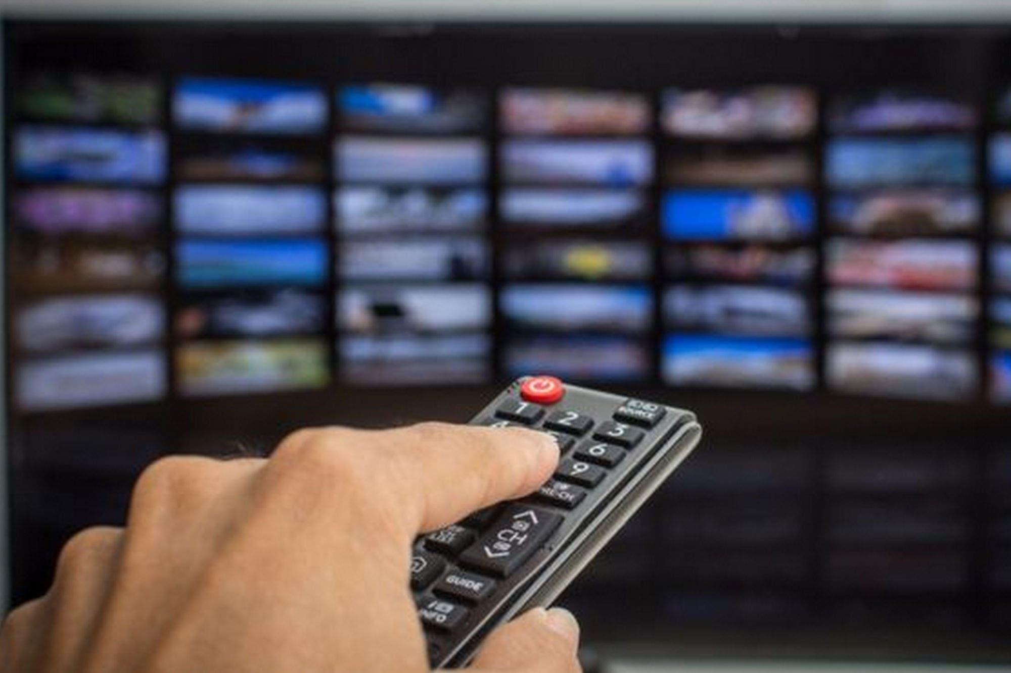 Los riesgos de comprar un Smart TV (y qué recomienda el FBI para proteger tu televisor inteligente)