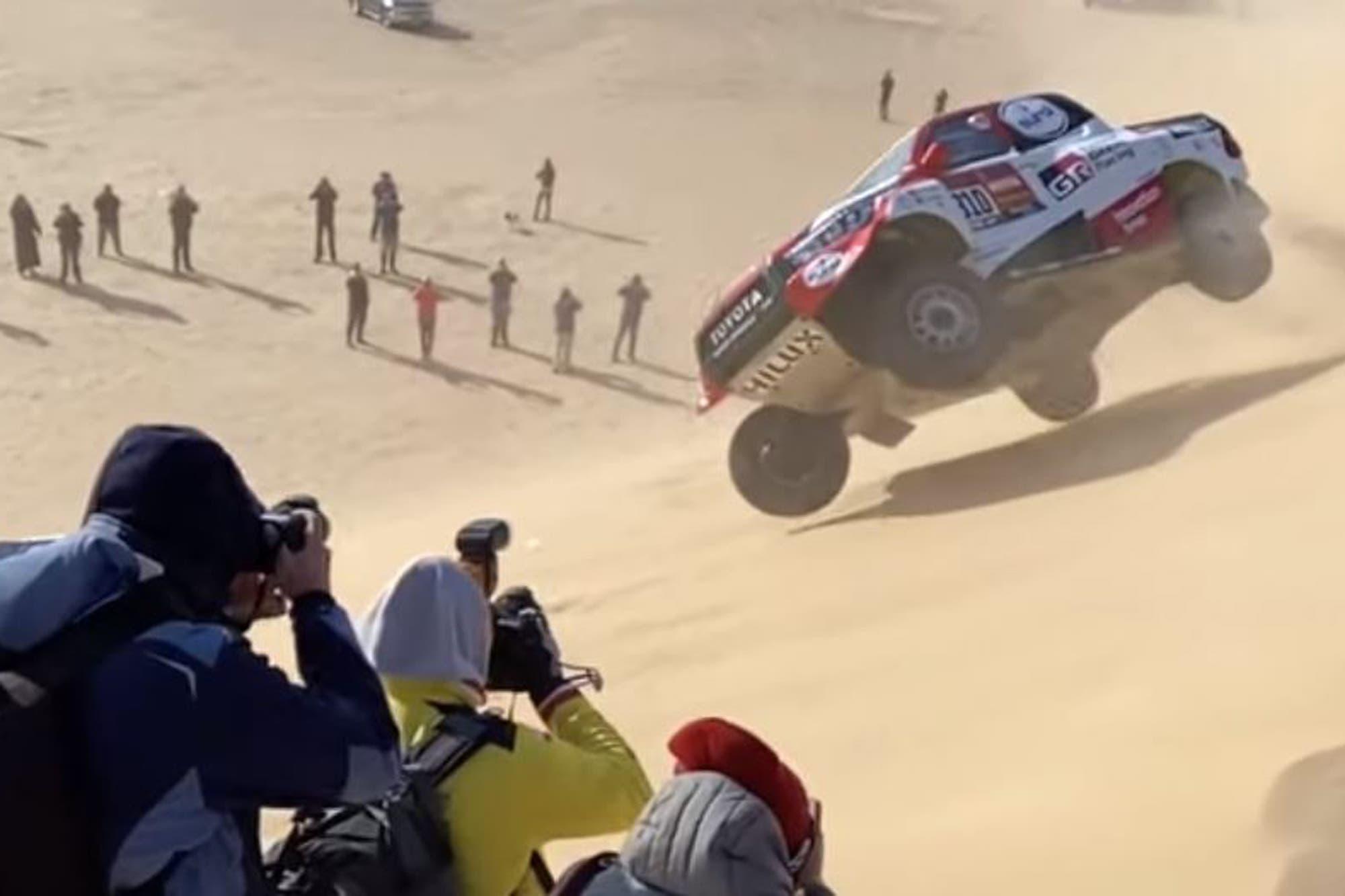Rally Dakar. El tremendo vuelco Fernando Alonso en el comienzo de la décima etapa