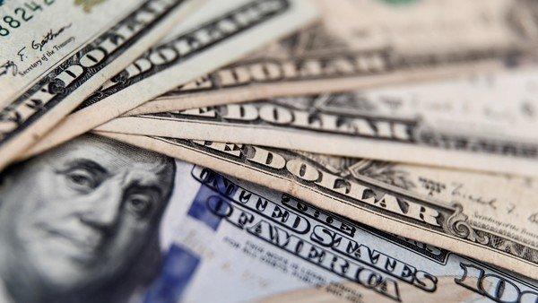 Otro día de tensión en los mercados: suben el riesgo país y los dólares financieros