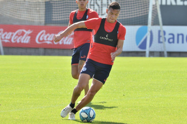 Polémica y enojo en San Lorenzo: Andrés Herrera sufrió una fractura tras un choque con Ángel Romero