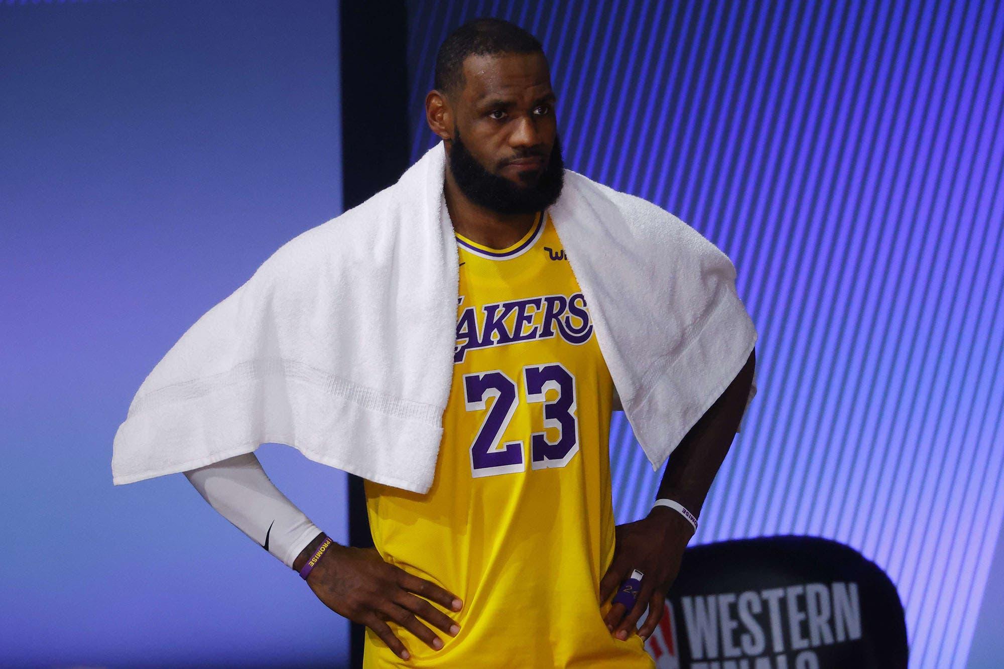 El enojo de LeBron James porque el premio MVP de la NBA quedó en manos de Antetokounmpo