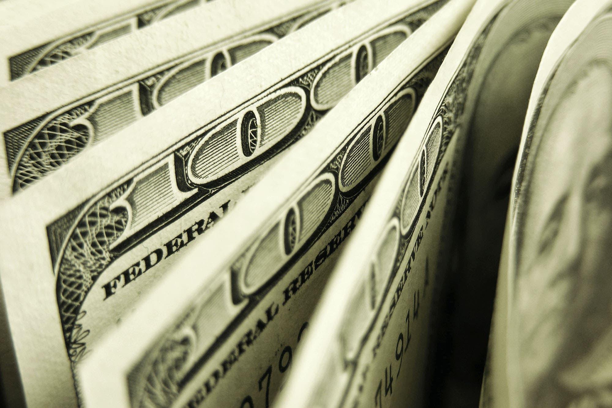 """dolar:-bajaron-los-tipos-de-cambio-libres-y-ya-son-hasta-$12-mas-baratos-que-el-""""ahorro"""""""