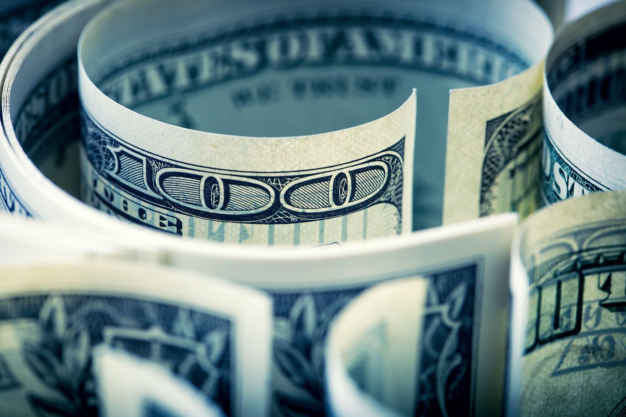 dolar-hoy:-cayeron-los-tipos-de-cambio-financieros-por-el-impuesto-a-la-riqueza