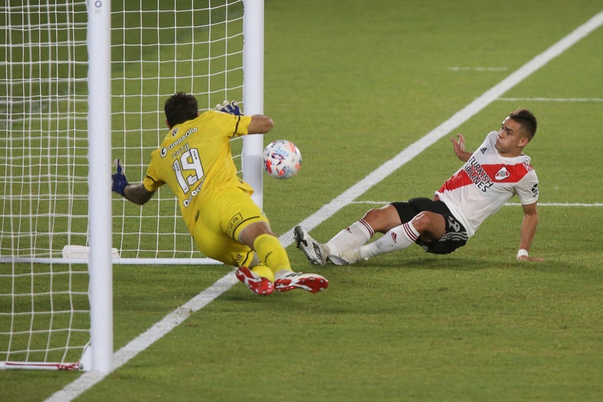 mejorar-las-canchas,-un-primer-paso-para-recuperar-la-tecnica-perdida-por-el-futbol-argentino