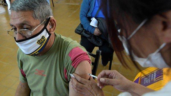 la-convocatoria-al-trabajo-presencial-a-los-vacunados-sigue-a-pesar-de-las-restricciones