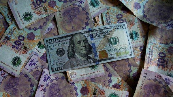 dolar-hoy:-a-cuanto-cotizan-el-oficial-y-sus-diferentes-tipos-de-cambio-este-viernes-18-de-junio