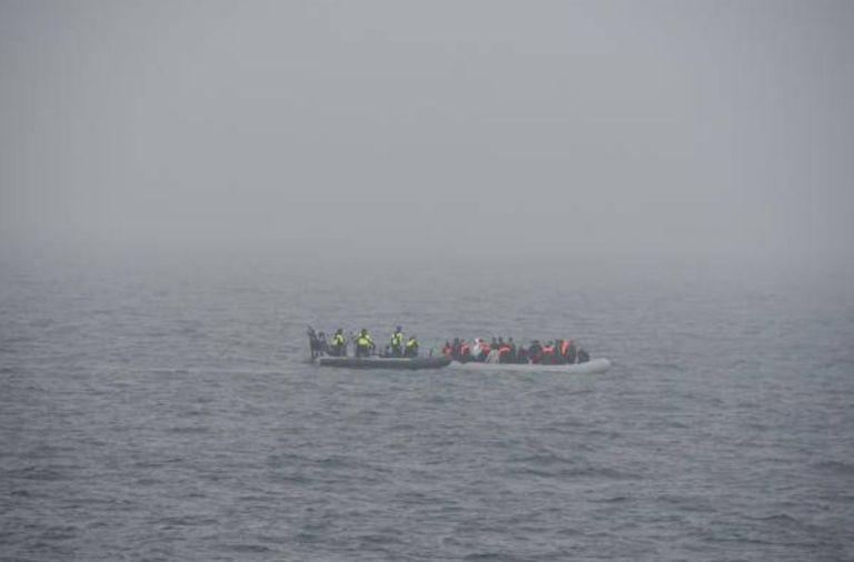 los-guardacostas-franceses-rescatan-a-80-migrantes-a-la-deriva-en-el-canal-de-la-mancha